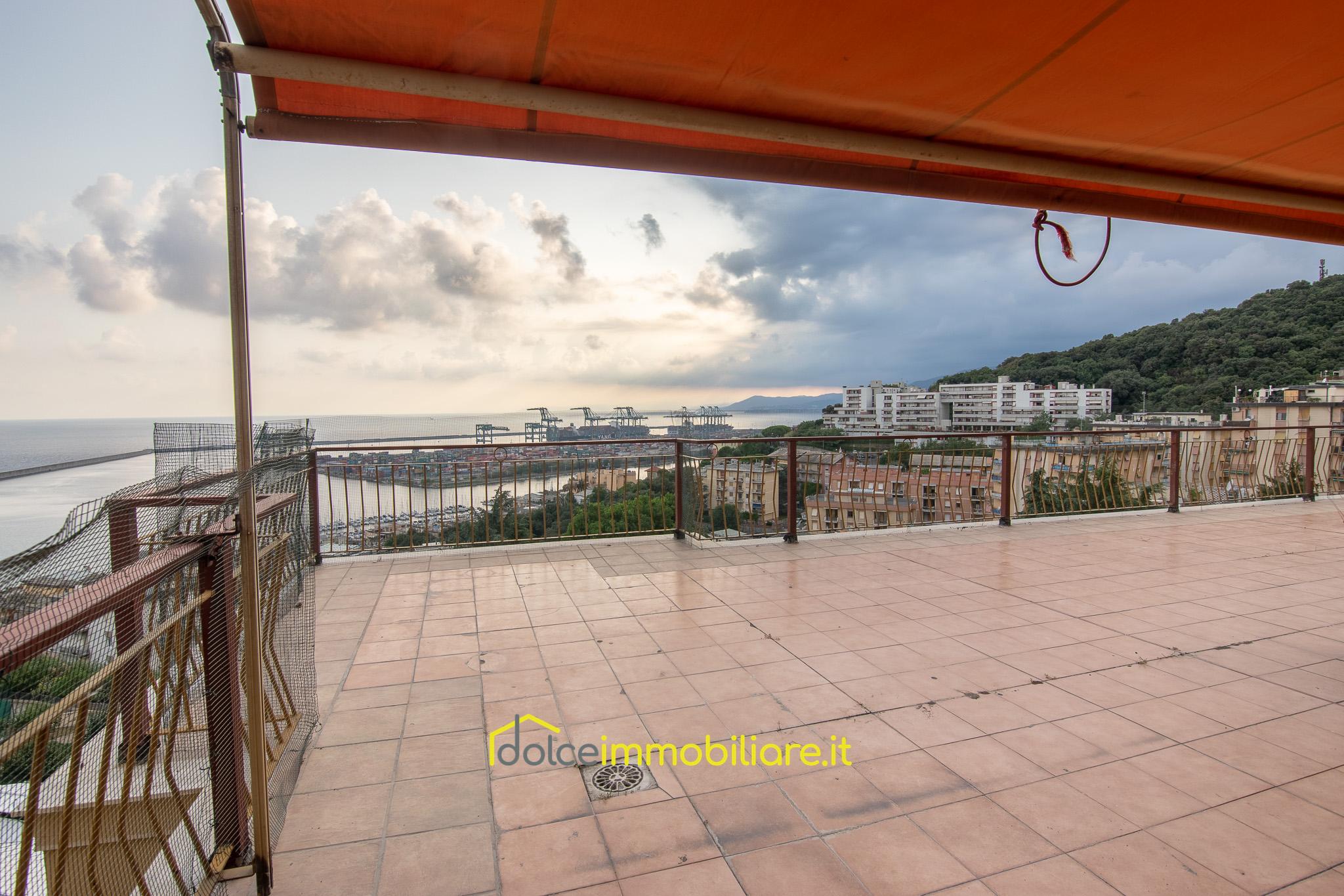 Pegli – Attico con terrazzo panoramico